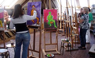 Workshop naaktmodel schilderen en naaktmodel tekenen in belgi voor groepen vrigezellenfeesten - Verfmodel voor de gang ...